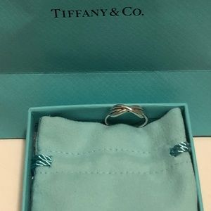 Tiffany & Co. sterling silver infinity knot ring